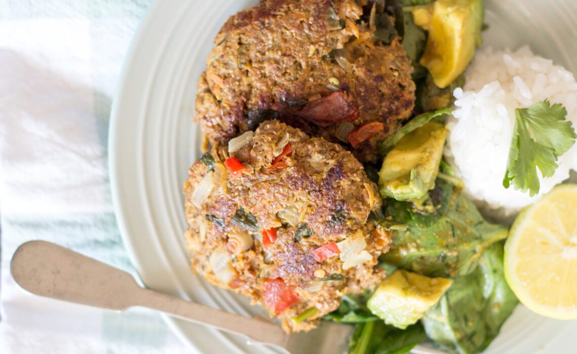 hamburguesas de carne y verduras saludables